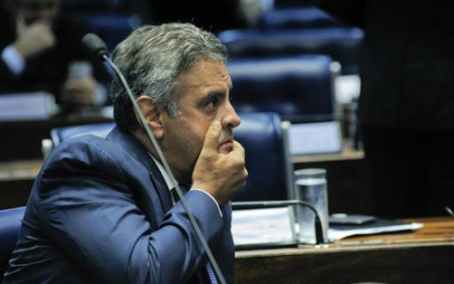 STF afasta Aécio do mandato e determina recolhimento noturno, mas nega prisão do senador