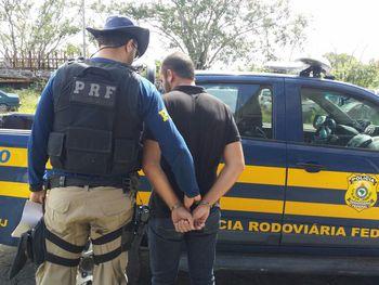 Em Alagoas, agentes da PRF prendem foragido da justiça pernambucana