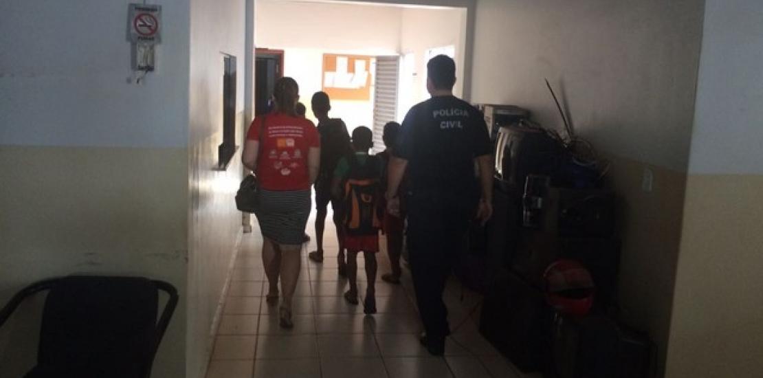 Quatro crianças forjam sequestro e deixam bilhete pedindo R$ 10 mil de resgate