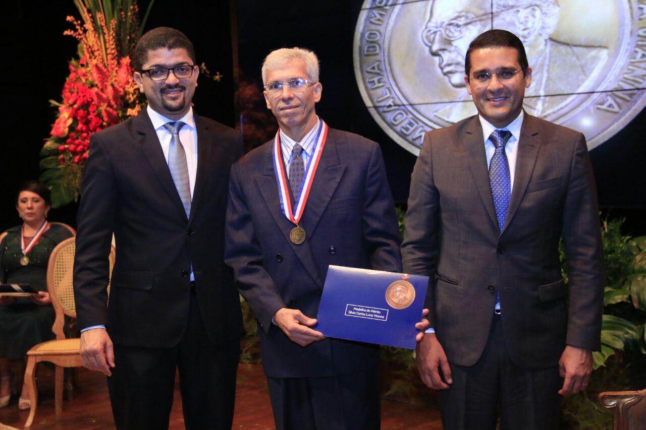 Cirurgião arapiraquense é homenageado com medalha Silvio Vianna