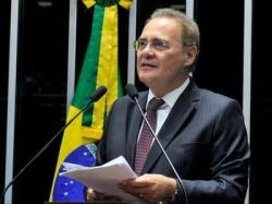 """Renan Calheiros defende Lula e critica """"insistência"""" para tirar o ex-presidente das eleições"""