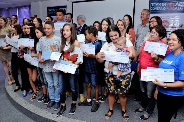 SAÚDE NA ESCOLA Estudantes são premiados em projeto Todos Contra o Aedes aegypti