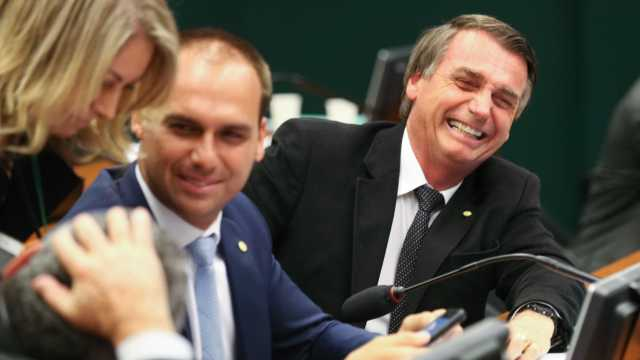 Patrimônio dos Bolsonaro e filhos  cresceu consideravelmente com a política