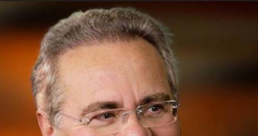 Renan Calheiros usa as redes para criticar reforma e Temer