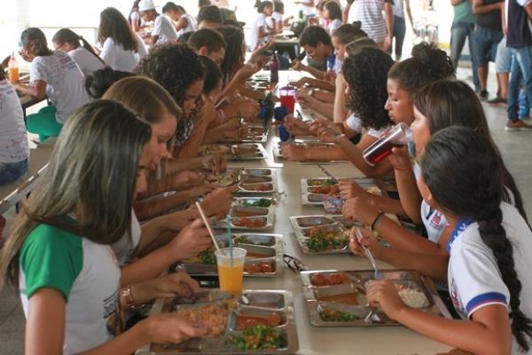 PRODUTOS DO CAMPO Governo investirá em agricultura familiar para alimentação em escolas