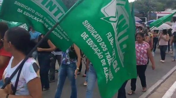Servidores da Educação e Saúde entram em greve em Santana do Ipanema