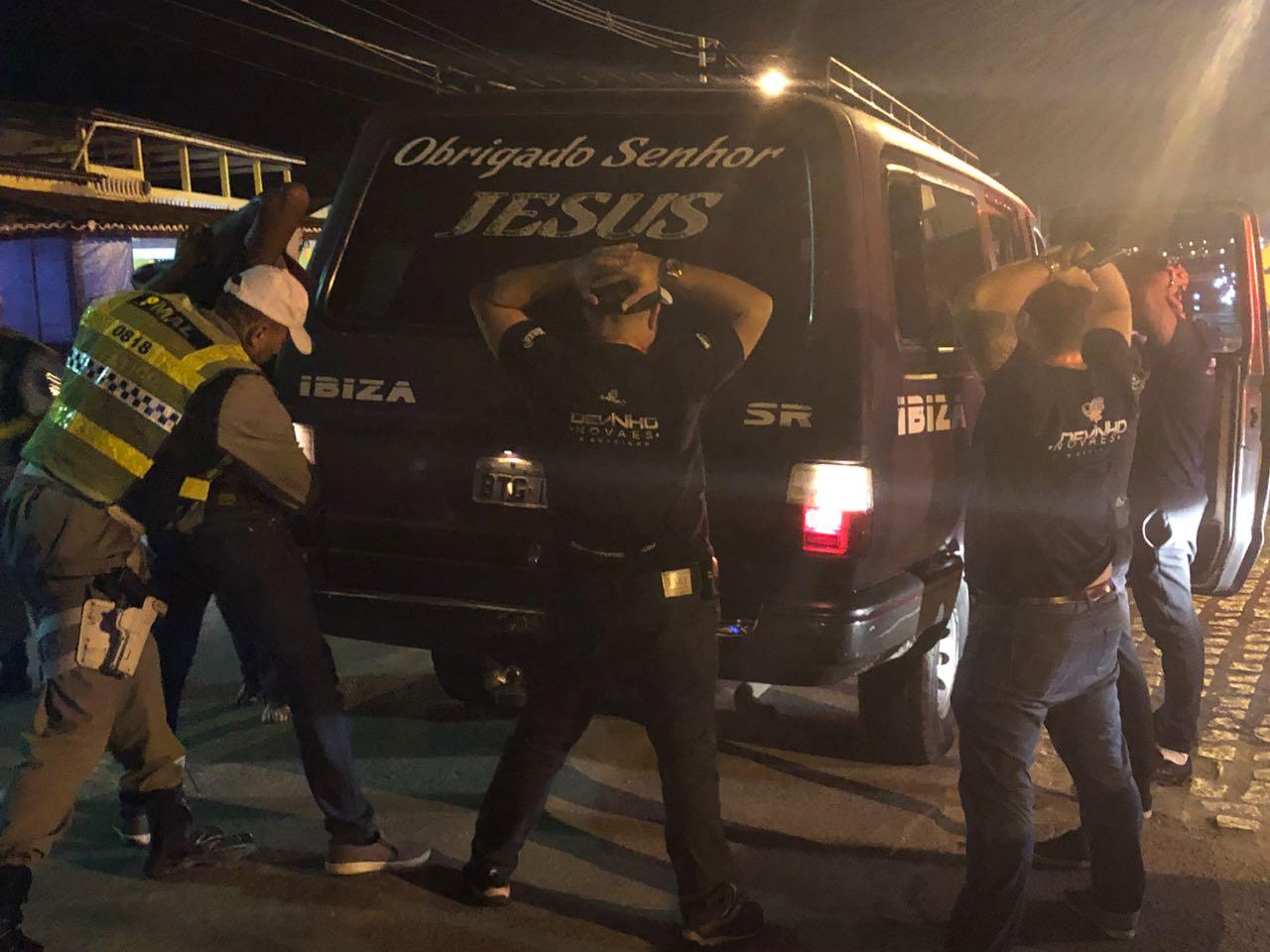 Três presos e 12 veículos removidos durante Operação Lei Seca na festa da Juventude, em Santana do Ipanema