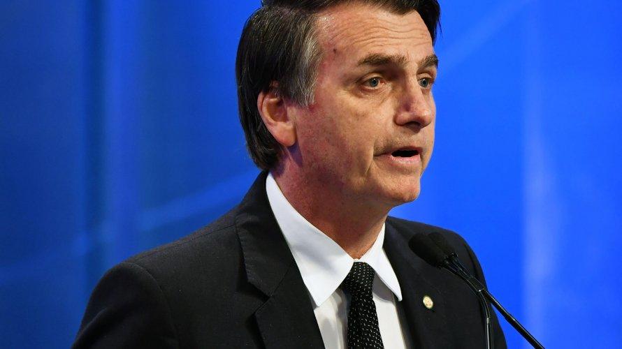 Bolsonaro pede ao TSE direito de resposta e exclusão de reportagens da Folha sobre assessora