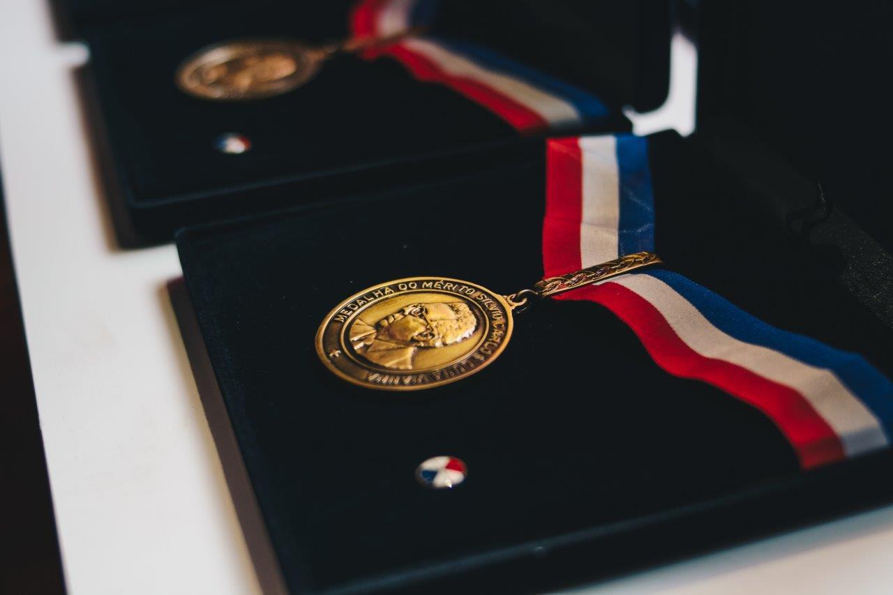VALORIZAÇÃO Conheça os servidores do Estado que receberão a Medalha Silvio Vianna