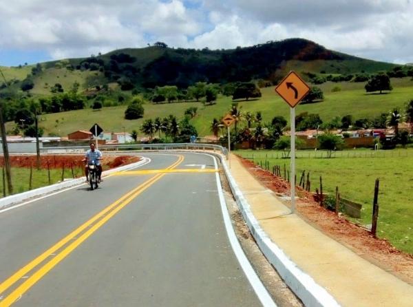 AGRESTE Governo conclui obras de implantação do acesso ao município de Belém