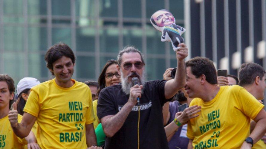 """Desencantado com Bolsonaro, Lobão dispara: """"é óbvio que o governo vai ruir"""""""
