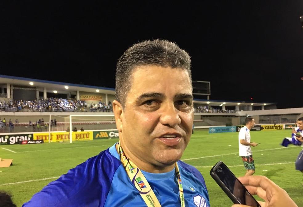Técnico do CSA Marcelo Cabo deixa equipe após derrota para o Sport