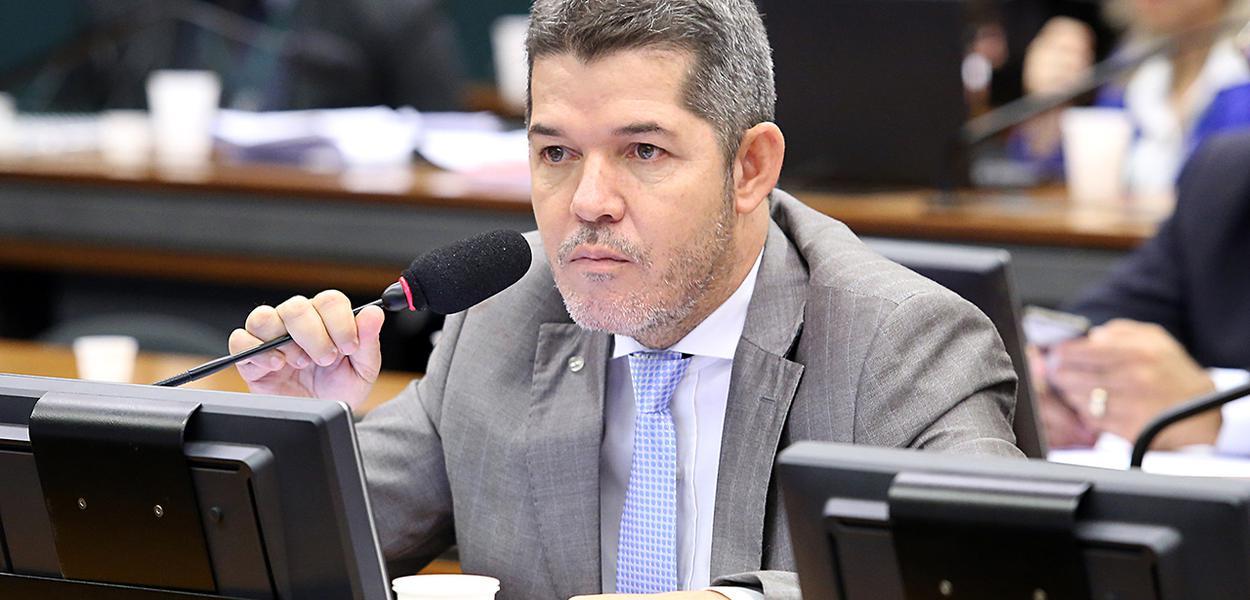 """""""Estão atrás da chave do cofre"""", diz Delegado Waldir sobre grupo de Bolsonaro no PSL"""