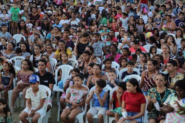 VÍDEO: DIA DAS CRIANÇAS É COMEMORADO COM FESTA NO BOSQUE DAS ARAPIRACAS