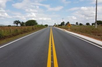 Governo do Estado entrega mais de 30 km de estradas recuperadas ou implantadas pelo Pró-Estrada
