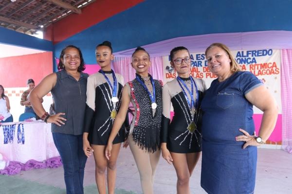 SEMANA DA MULHER Professoras transformam vida de alunas da rede estadual por meio da ginástica rítmica