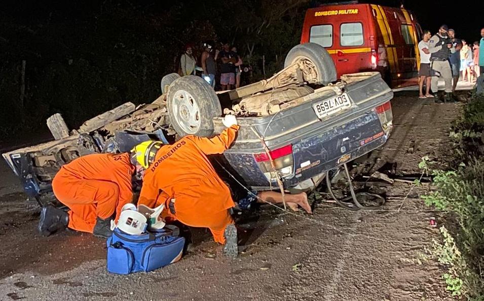 SERTÃO: Racha pode ter sido a causa do acidente que resultou na morte de duas pessoas em Delmiro Gouveia
