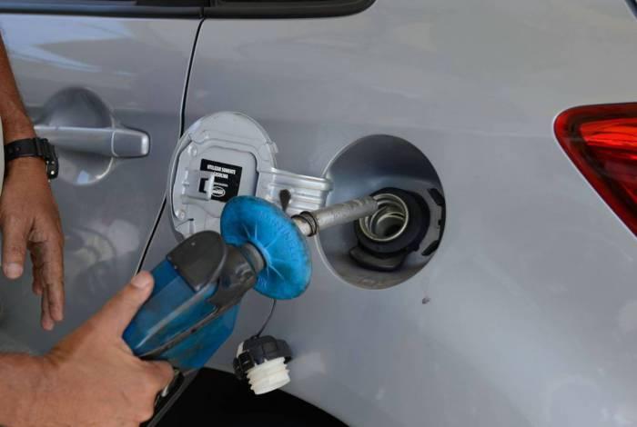 Conheça as vantagens da nova gasolina que chega no mês que vem