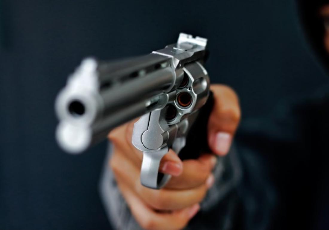 Delmiro Gouveia: Bandidos invadem casa, agridem casal e roubam
