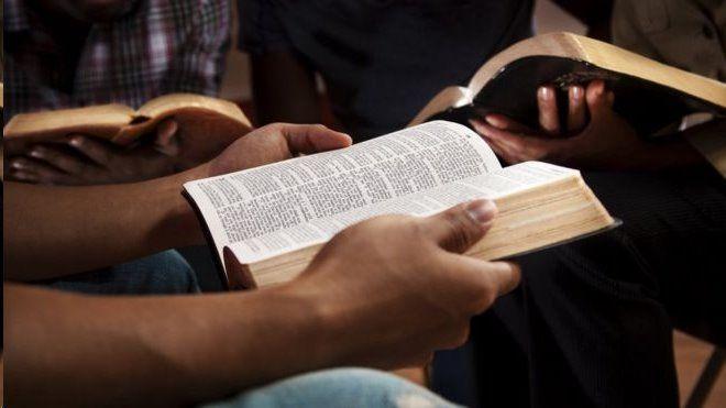 Governo de Angola oficializa afastamento de brasileiros da Igreja Universal no país