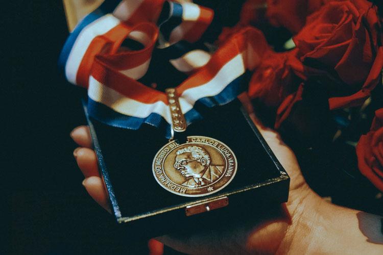 Governo divulga nomes dos servidores que serão agraciados com a Medalha Silvio Vianna