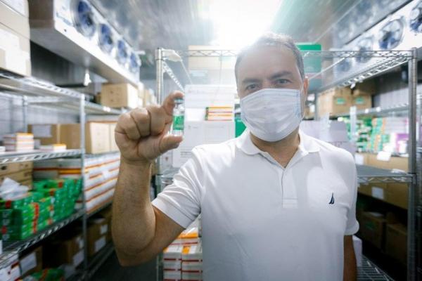 IMUNIZAÇÃO Governador anuncia ampliação da vacinação para idosos a partir de 79 anos em Alagoas