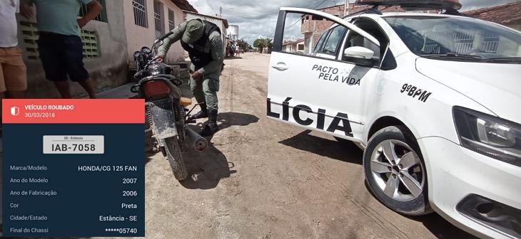 Polícia aprende moto na aldeia  Fulni-ô em  Águas Belas