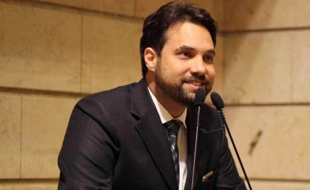 Dr. Jairinho possui esquema milionário de imóveis não declarados, diz revista