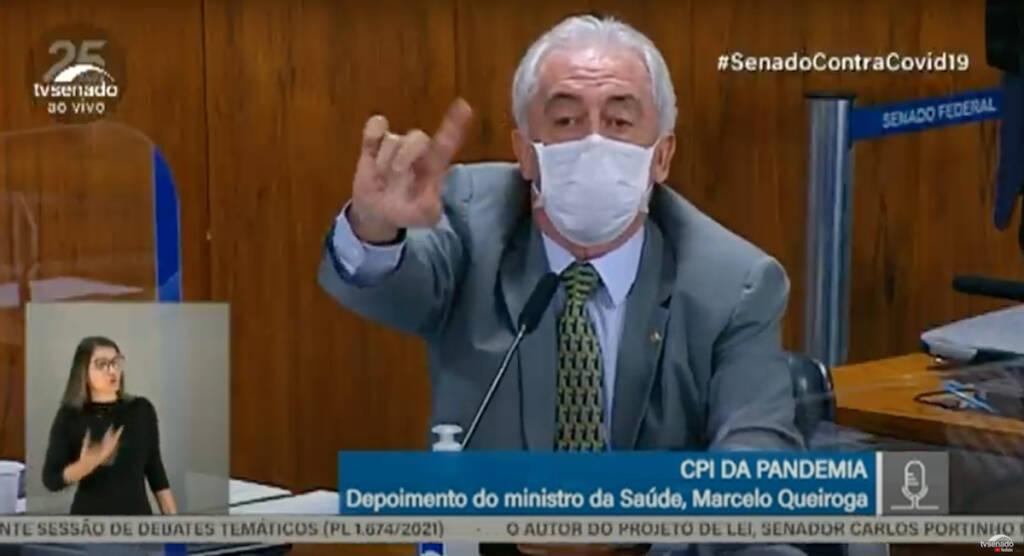 """Ministro Queiroga é desmoralizado por Otto Alencar: """"Você não leu a bula das vacinas"""""""