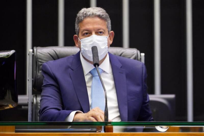 """Lira faz coro com Bolsonaro e pede """"auditagem"""" das eleições"""