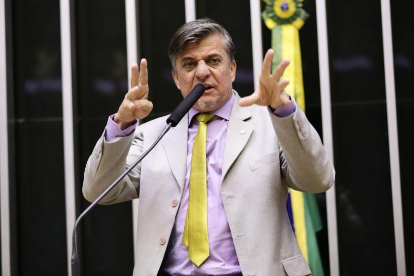 Deputado bolsonarista Boca Aberta xinga e ameaça Eduardo Leite; veja vídeo