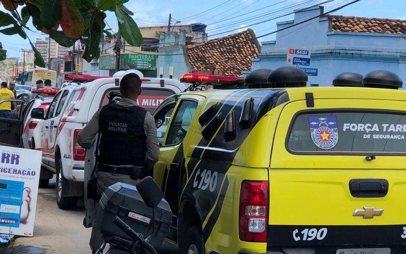 Atentado a tiros deixa filho morto e pai gravemente ferido durante a madrugada em Arapiraca